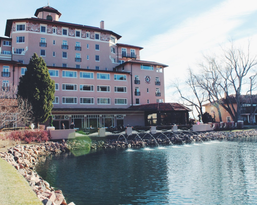 Guide to Colorado Springs: The Broadmoor Hotel